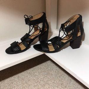 Ellen Tracy strappy sandals in black size 7.5